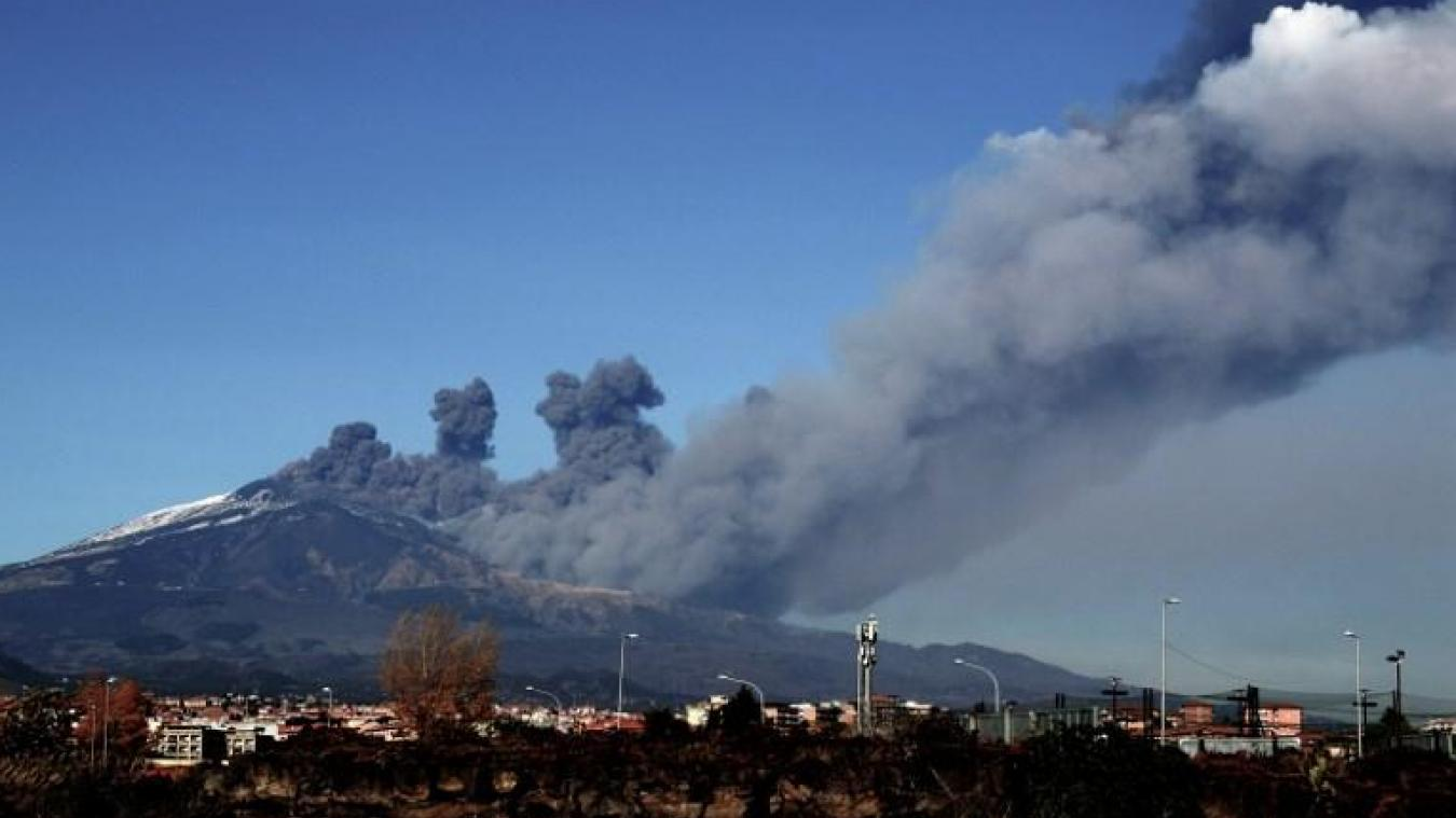 Sicile: le volcan Etna entre en éruption - LINFO.re - Monde, Europe
