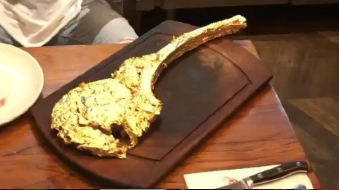 Quand Ribéry mange une entrecôte couverte d'or à... 1 200 euros!