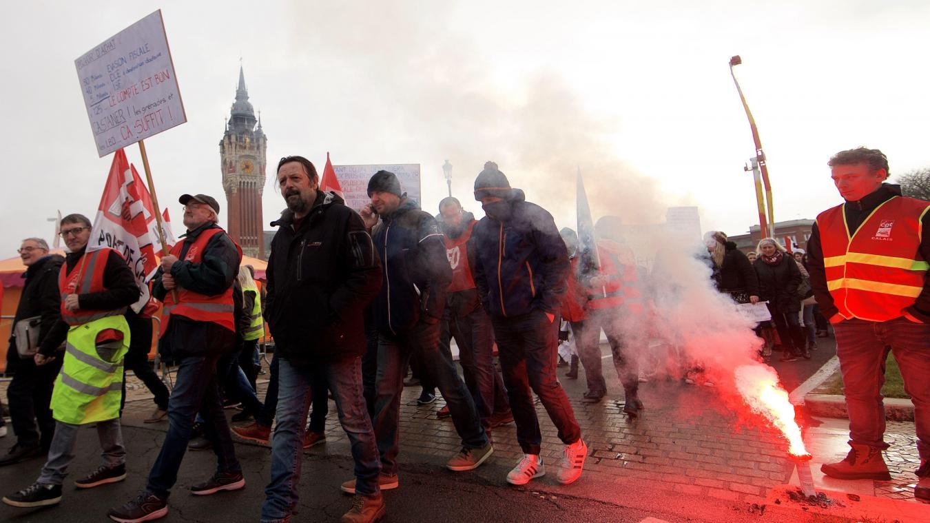 e5e3490fd61 Calais  Plus de cinq cents manifestants dans les rues du centre-ville