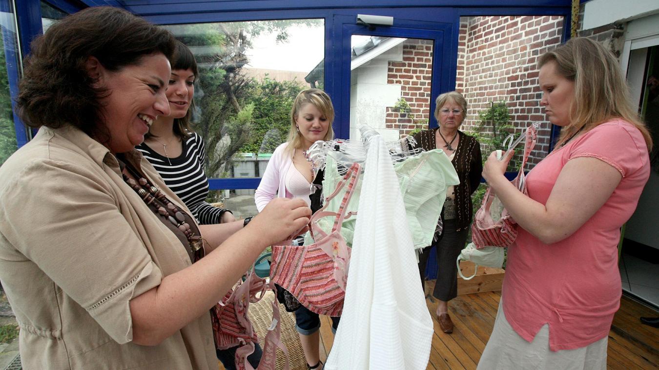 prix compétitif ec178 550d8 La Chapelle-d'Armentières: Vendeuse de lingerie à domicile ...