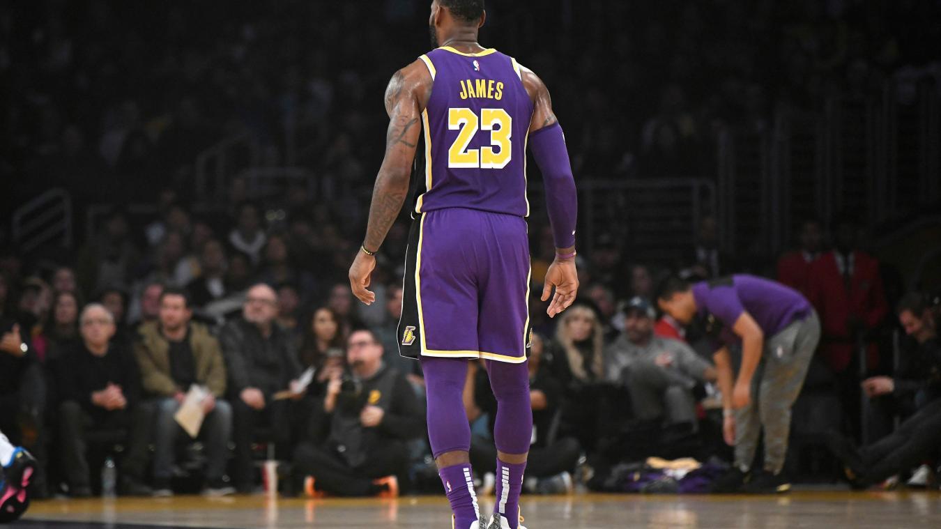 chaussures de sport e3c77 4c0bf NBA LeBron James dépasse Michael Jordan et devient 4e ...
