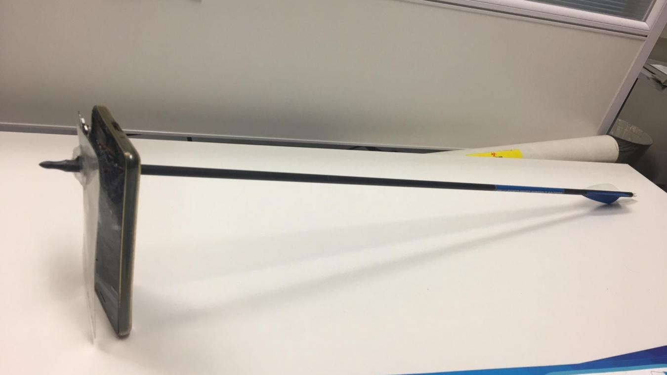 Un homme sauvé d'une attaque à l'arc... par son iPhone