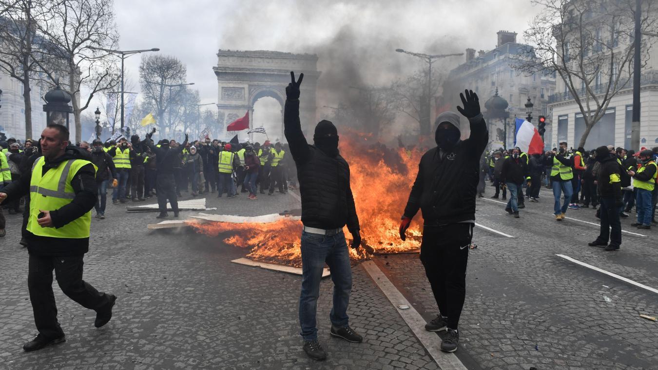 Acte 18 - l'ultimatum: premiers heurts sur les Champs-Elysées
