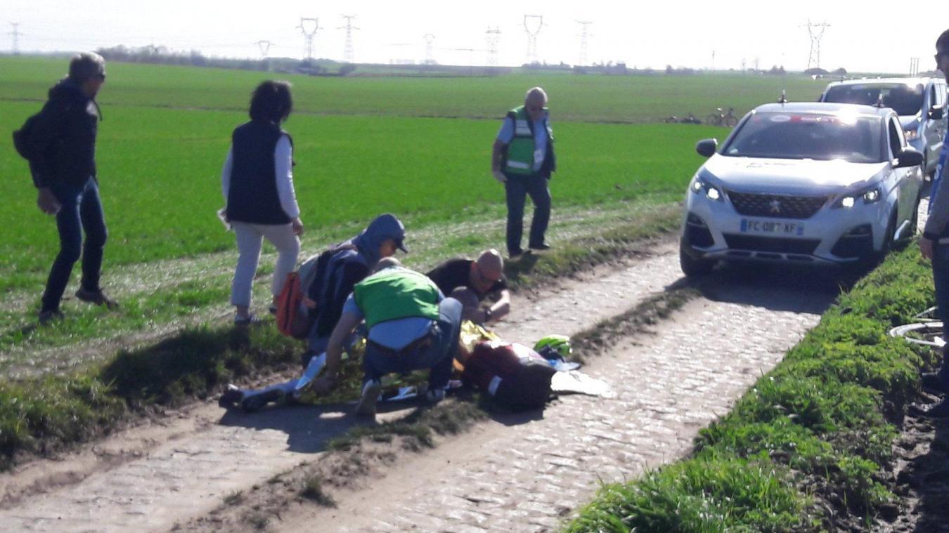 Yoann Offredo victime d'une grave chute et héliporté à Lille — Cyclisme