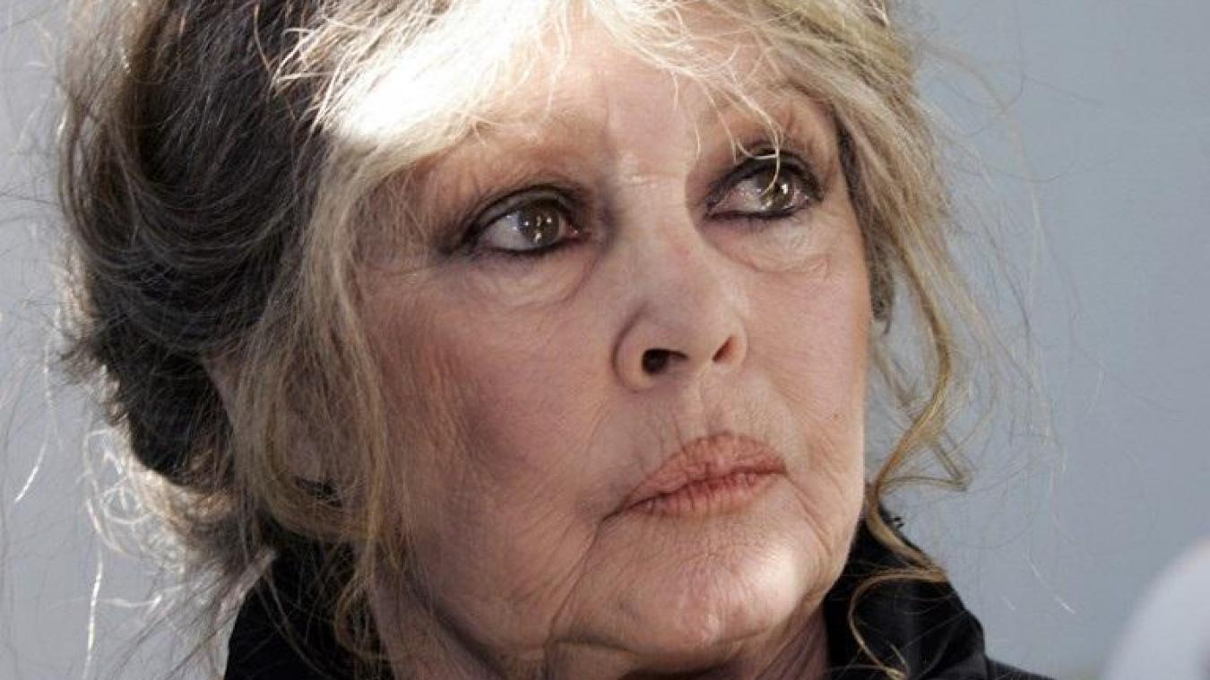 Brigitte Bardot présente des excuses —