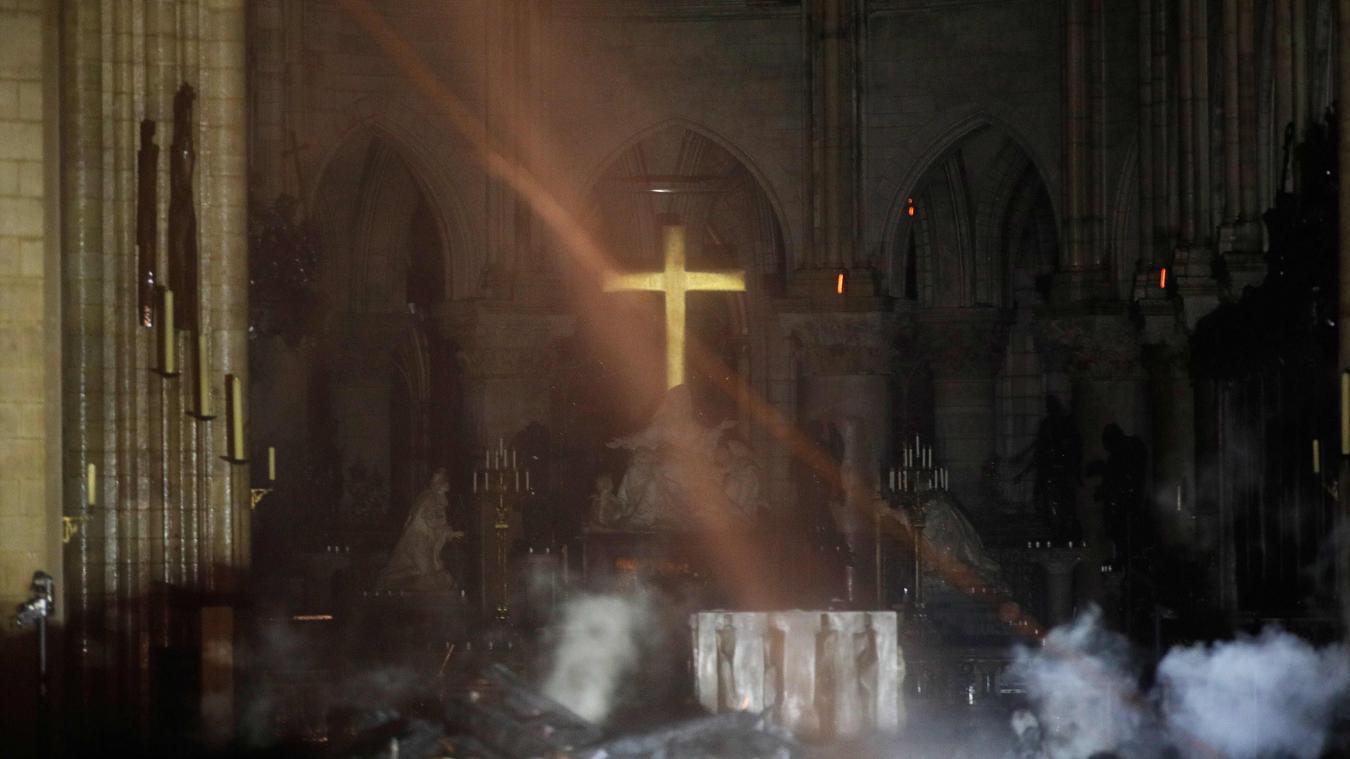 """Résultat de recherche d'images pour """"croix notre dame"""""""