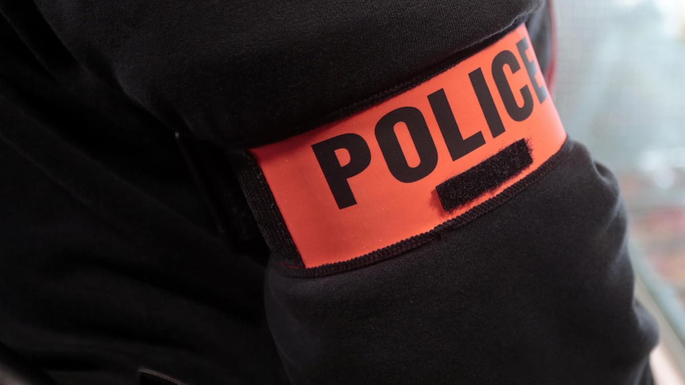 Deux policiers parisiens soupçonnés d'avoir protégé et racketté des dealers