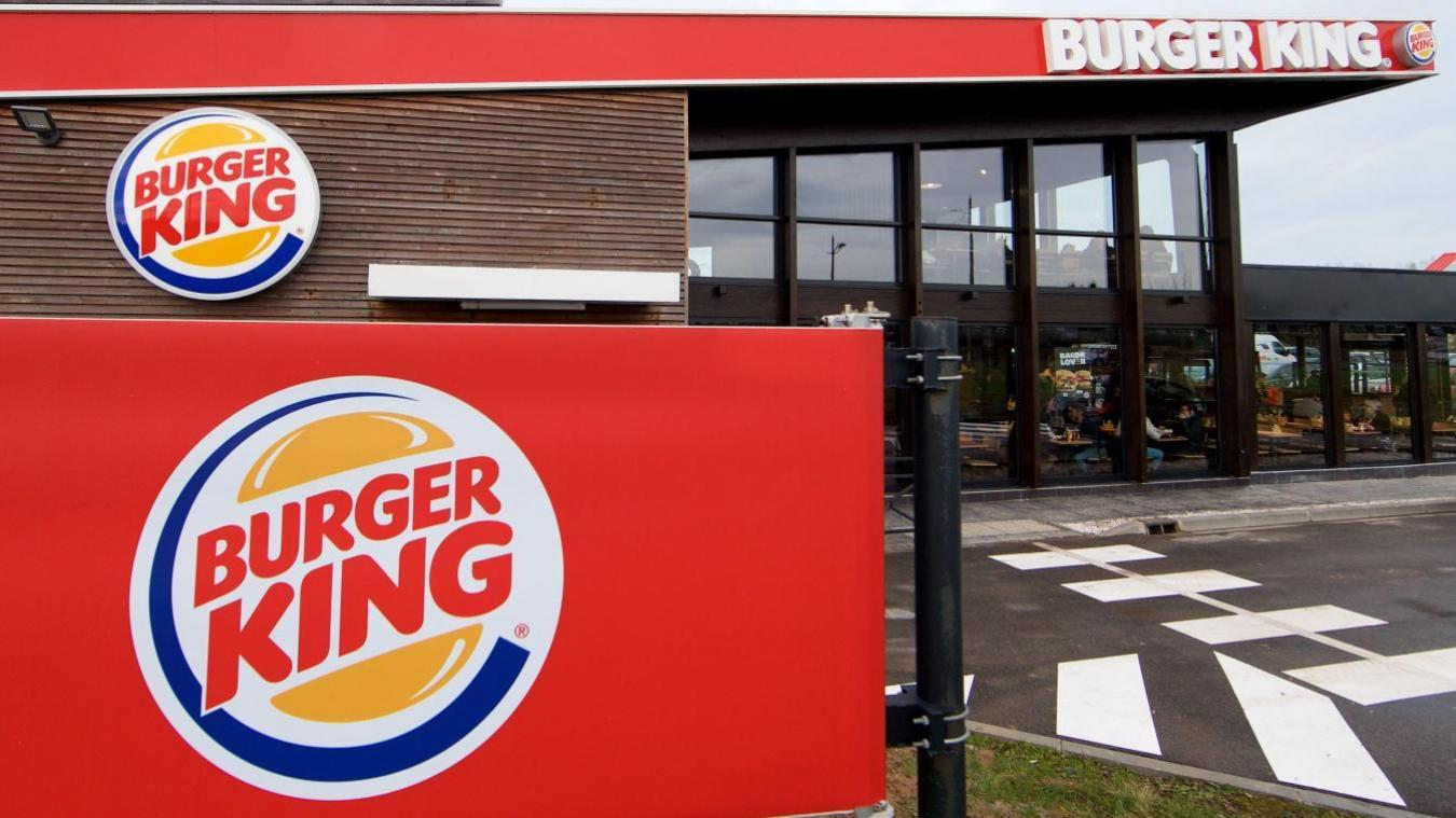 Vol Carte Bancaire Burger King.Calais Deux Femmes Interpellees En Flagrant Delit De Vol A