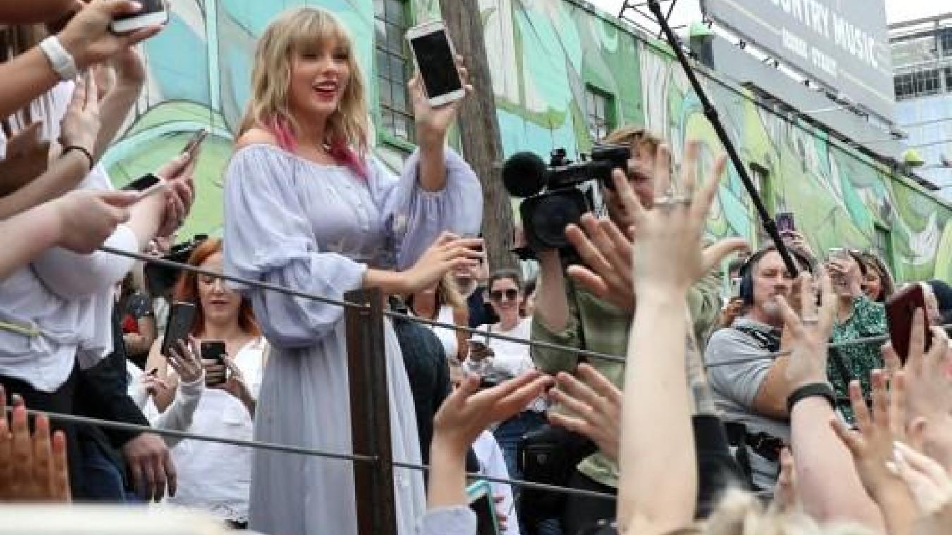 Taylor Swift joue en Français dans son dernier clip