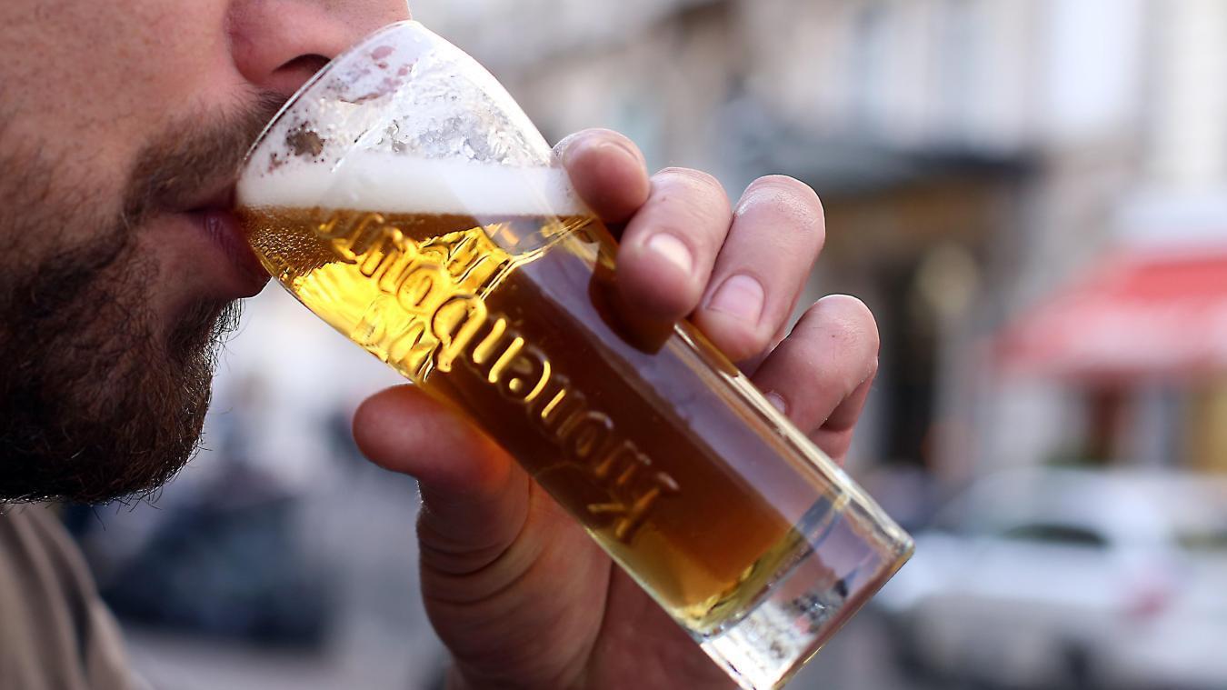 Près d'un quart des Français soit environ 10,5 millions d'adultes boivent trop d'alcool