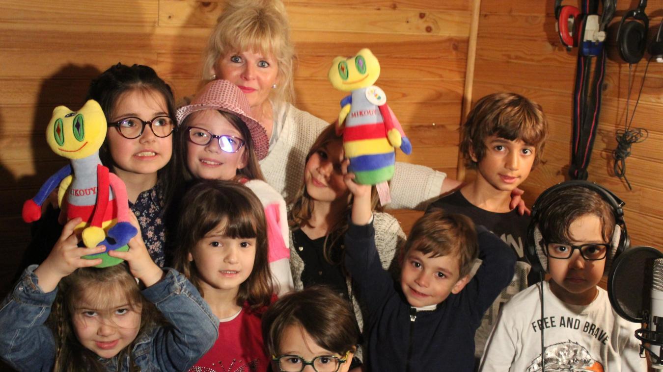 Bailleul: Les enfants sont venus chanter Mikouyou pour la