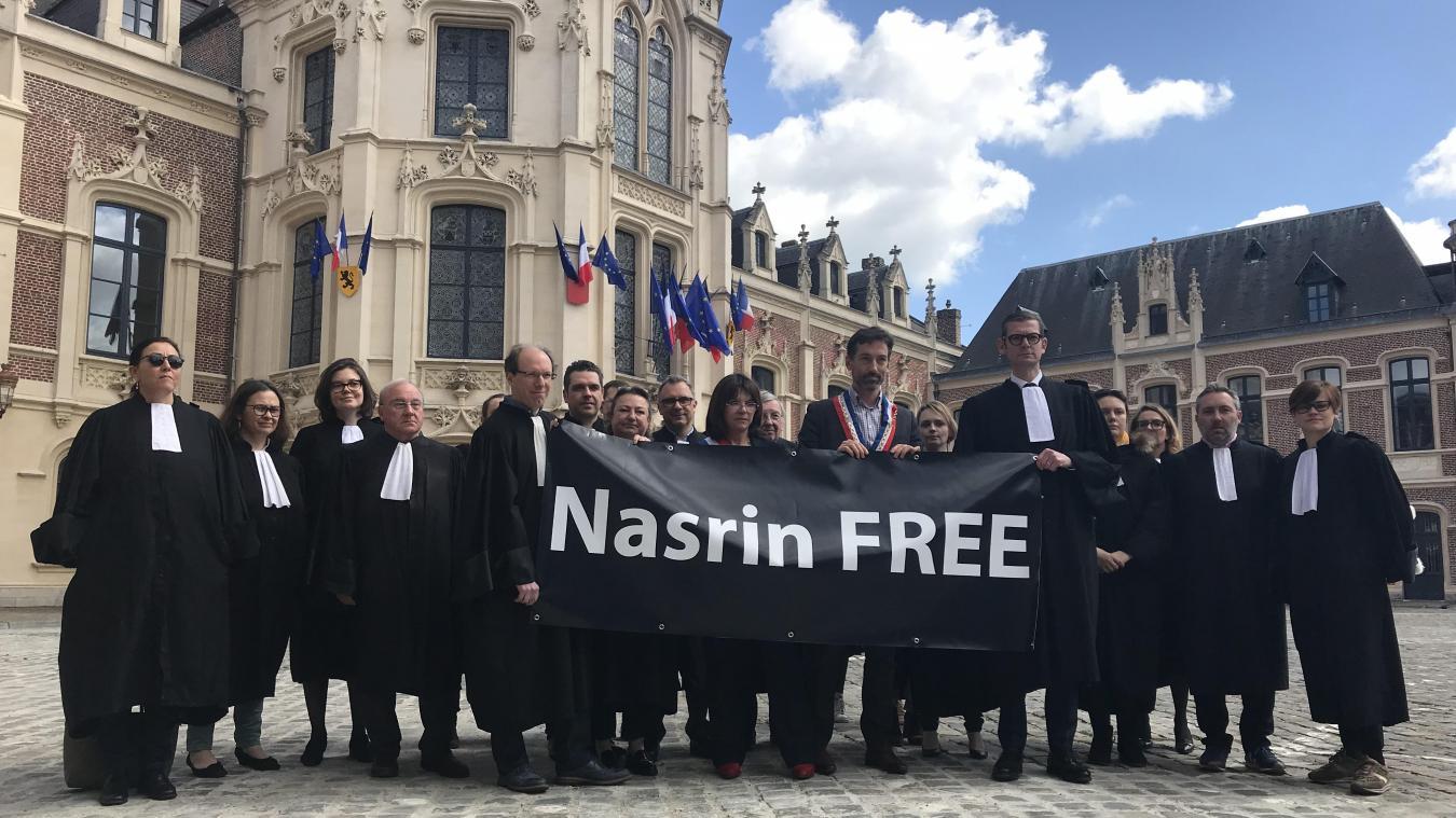 Le barreau de Douai revendique la « liberté pour Nasrin ».