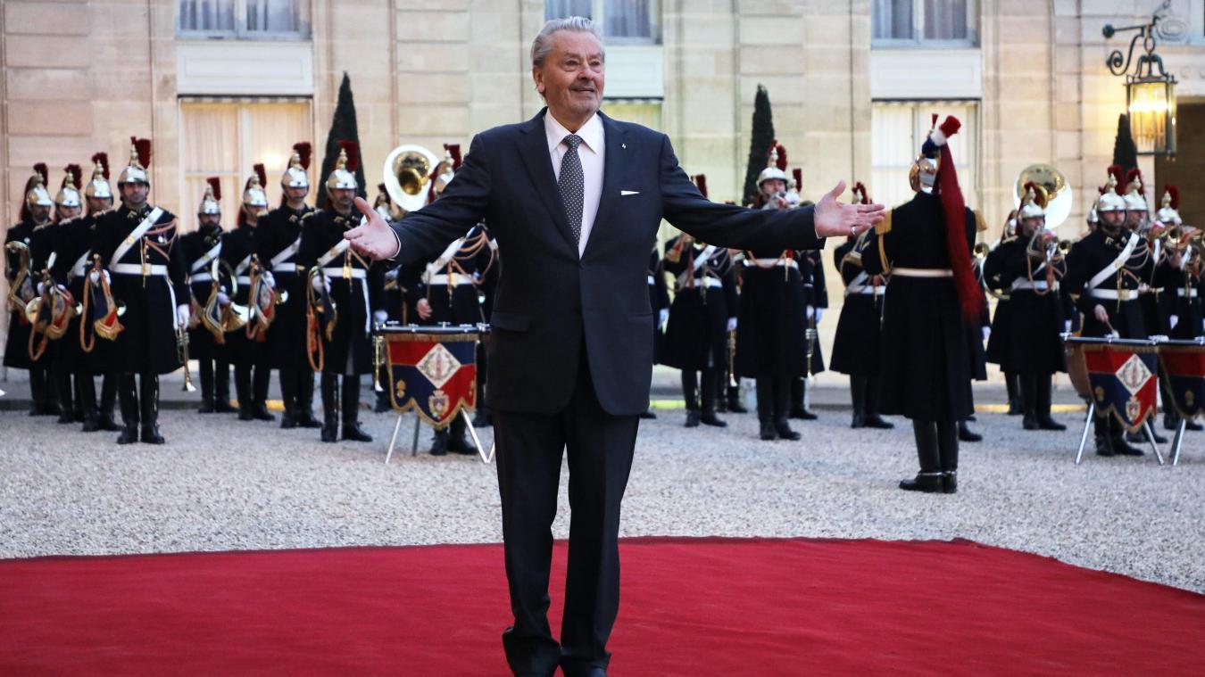 Polémique sur la palme d'honneur d'Alain Delon: l'acteur sort du silence
