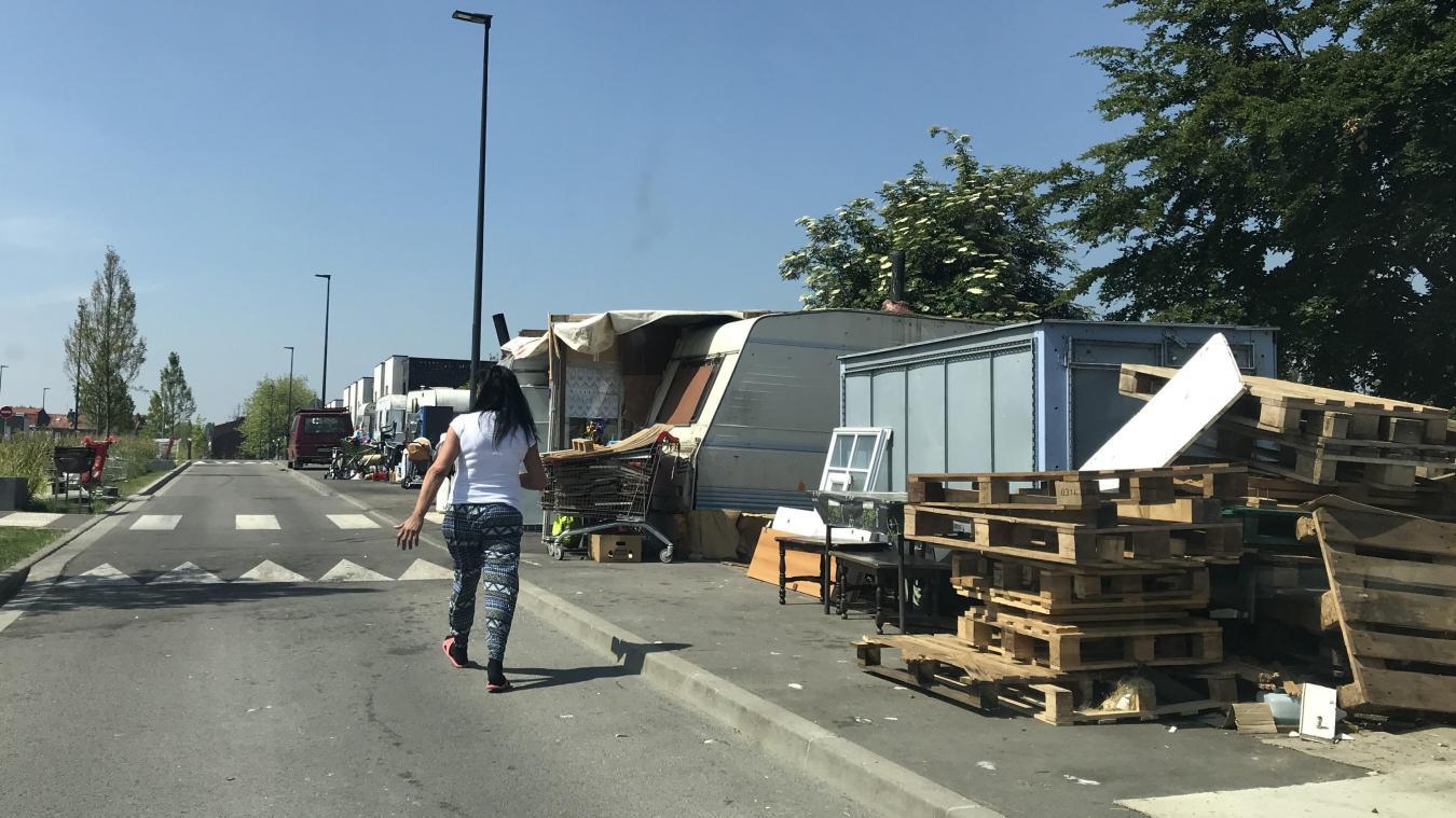 Rue du Pont-Rompu, huit caravanes sont occupées par des familles bulgares.