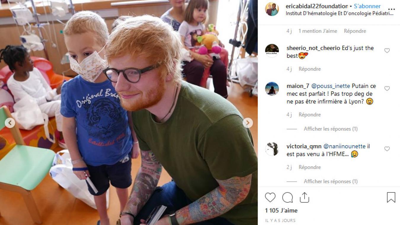 Ed Sheeran rend visite aux enfants atteints de cancers