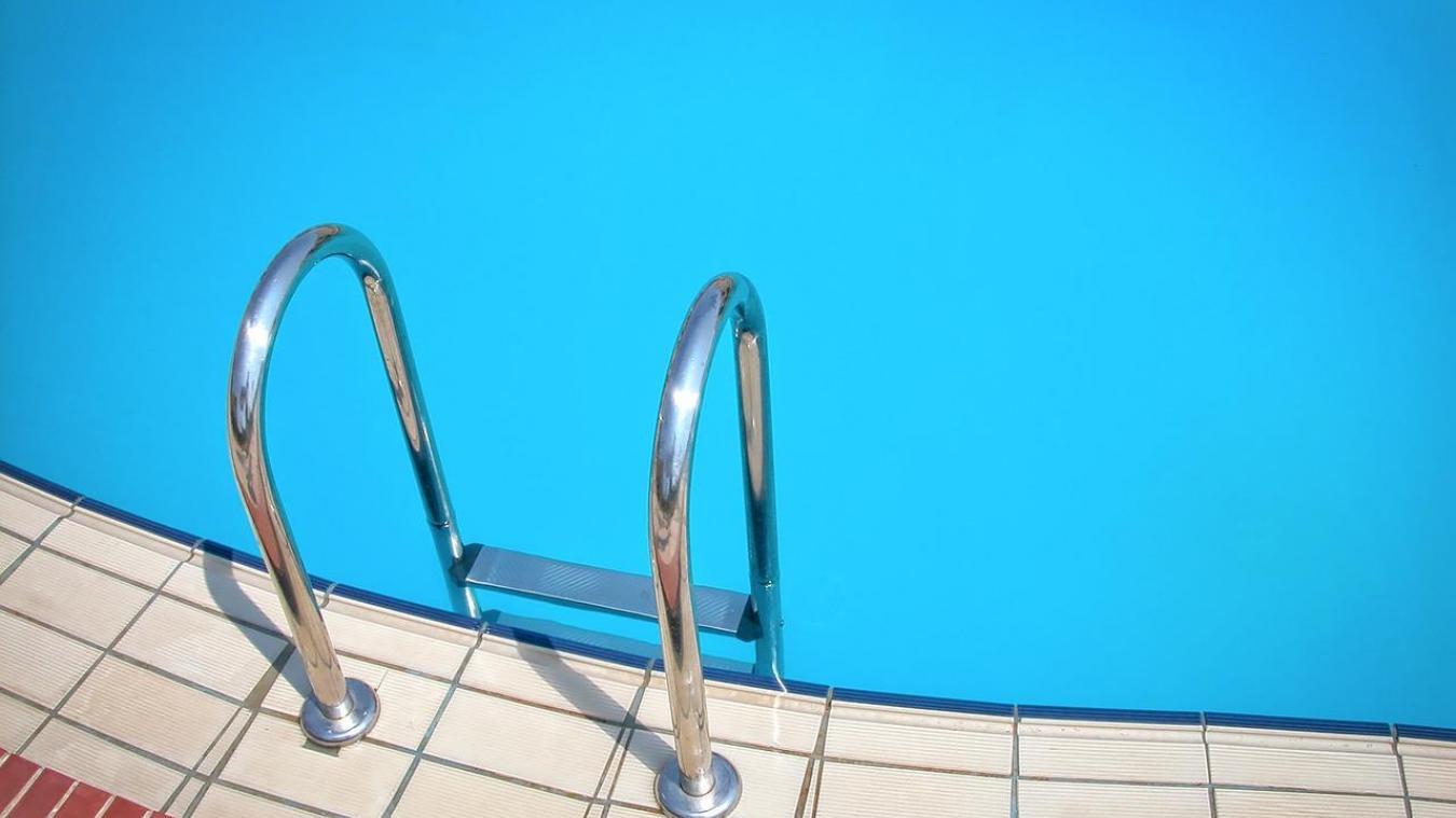 Un garçon de 3 ans se noie dans une piscine — Gironde