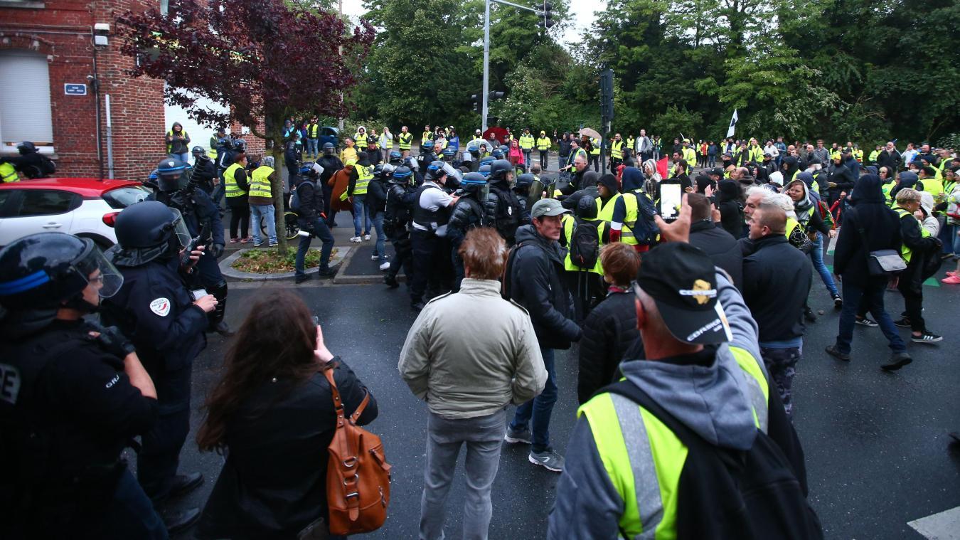 cc2a0322559 Cambrai Ils étaient 350 à la deuxième marche nocturne des Gilets jaunes