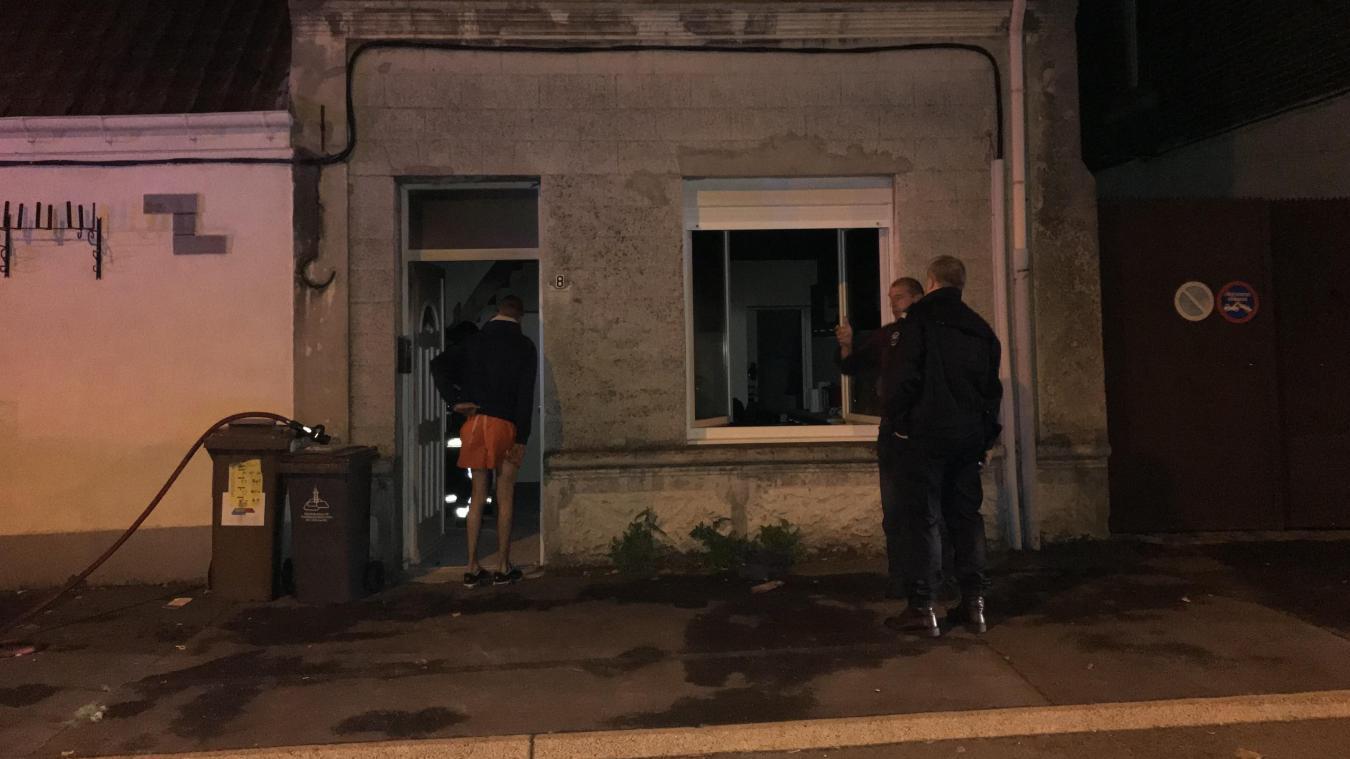 C'est dans cette petite maison que l'incendie s'est déclaré. Le feu, vite éteint, a causé des dégâts à l'intérieur de l'habitation.