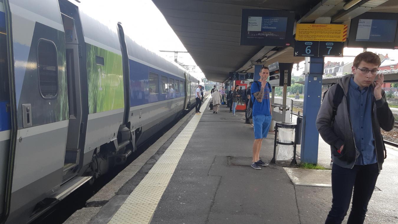 style exquis 2019 professionnel baskets pour pas cher Arrageois Un train de travaux en panne près de Bapaume, le ...