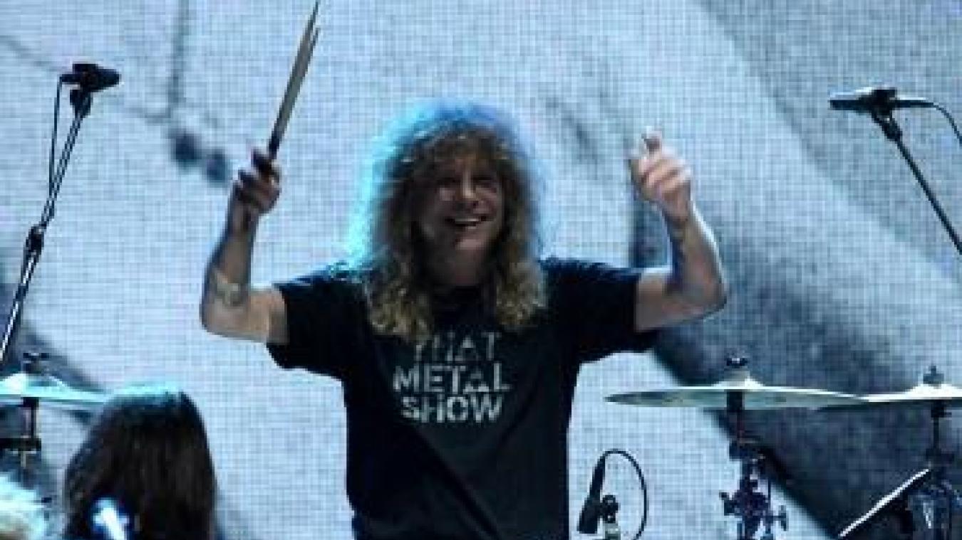 Faits divers: Steven Adler, ex-batteur des Guns N'Roses, s'est poignardé