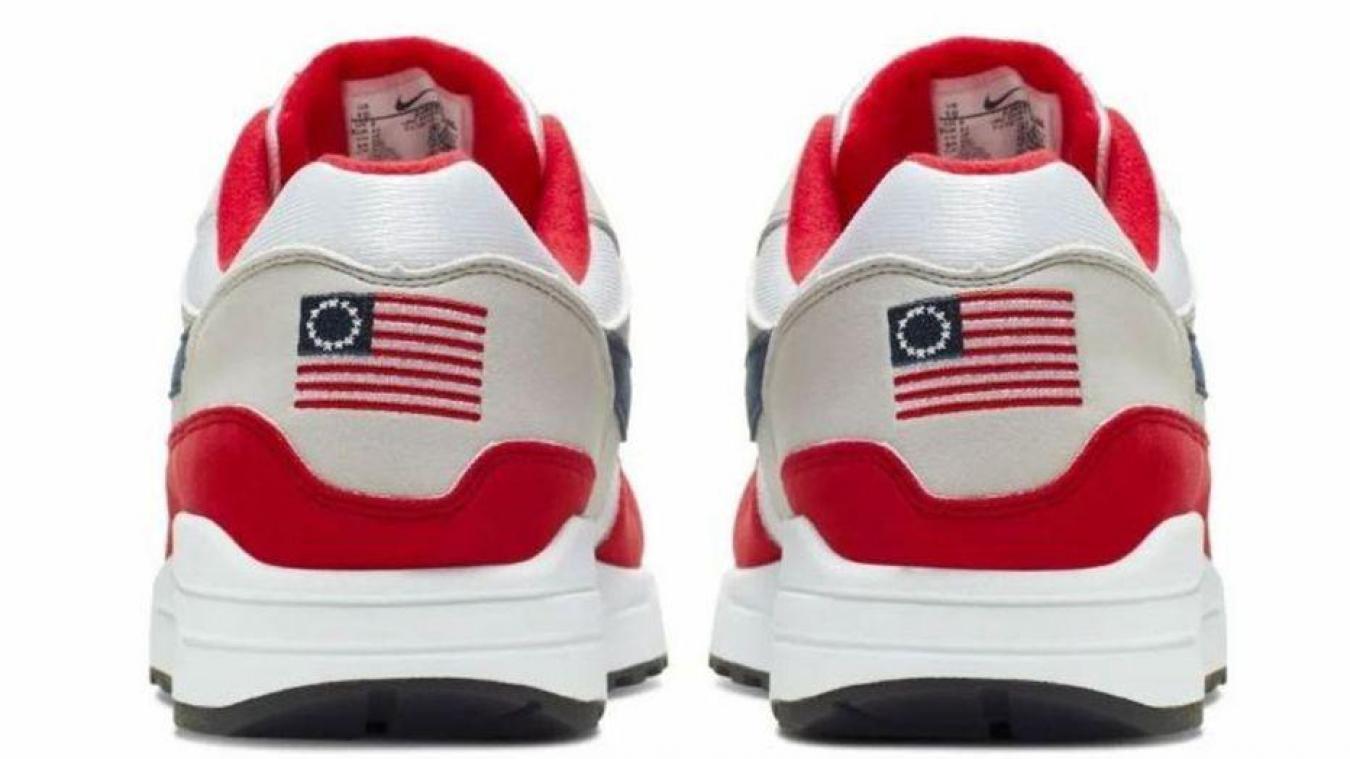 chaussures de sport f2e6f ba67a Nike retire du marché son modèle Air Max 1 USA jugé raciste