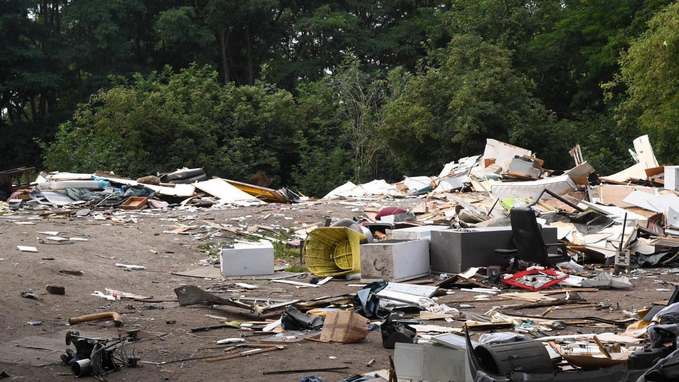 Le camp rom de Pont-Royal est vide d'occupants depuis lundi. Tout sera bientôt nettoyé. PHOTO STÉPHANE MORTAGNE