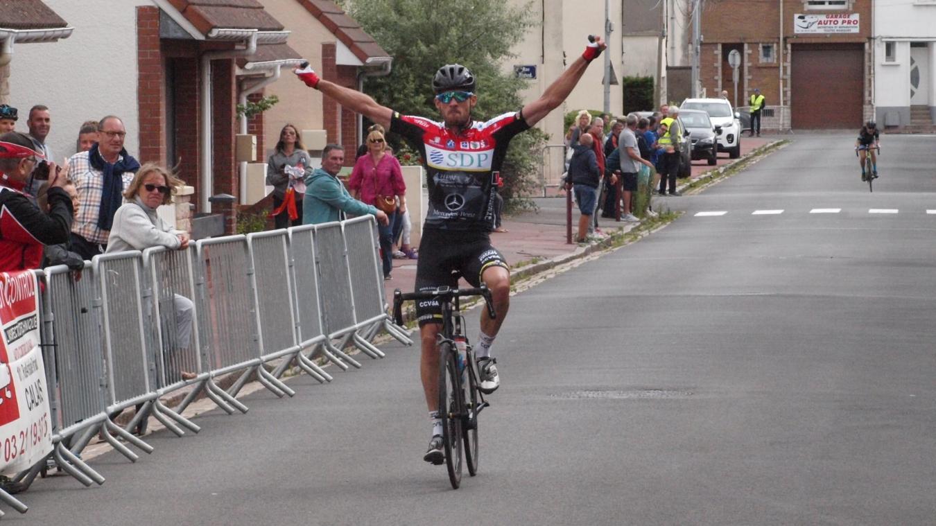Calendrier Cyclotourisme 2019 Nord Pas De Calais.Calais Le Picard Paul Seuwin Remporte La Course Cycliste