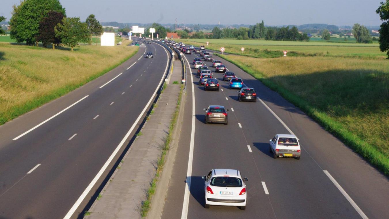 Un garçon de 8 ans fonce à 140km/h sur l'autoroute — Allemagne