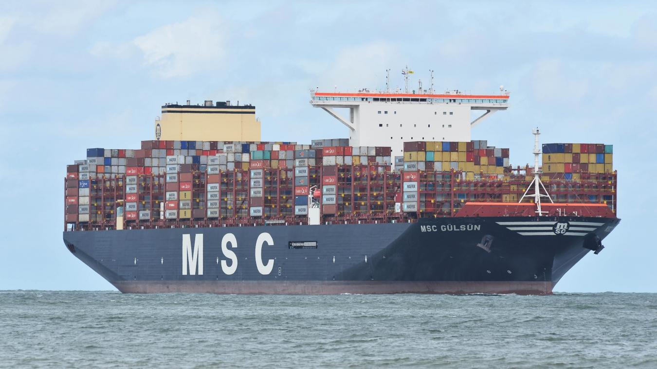 Le plus gros porte-conteneurs du monde va passer devant nos côtes ...