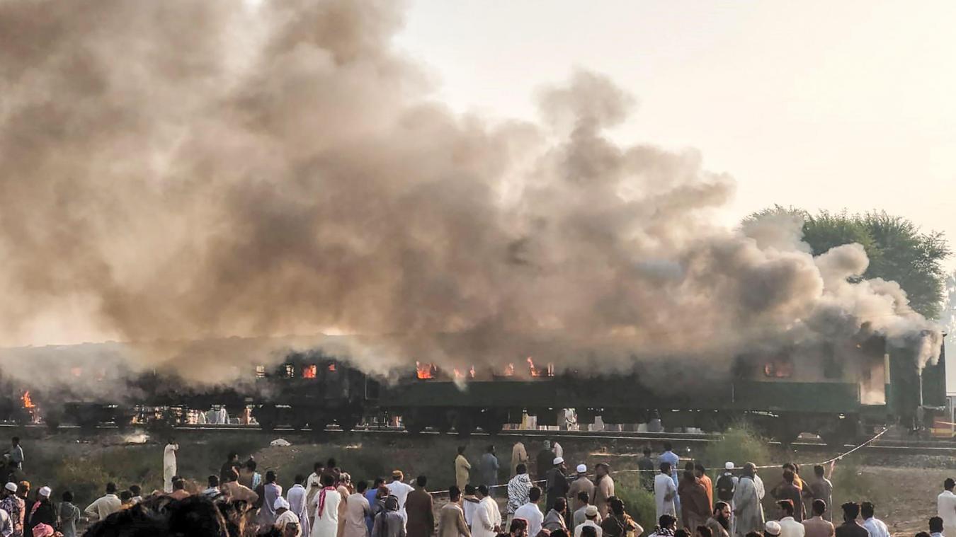 Incendie accidentel meurtrier à bord d'un train — Pakistan