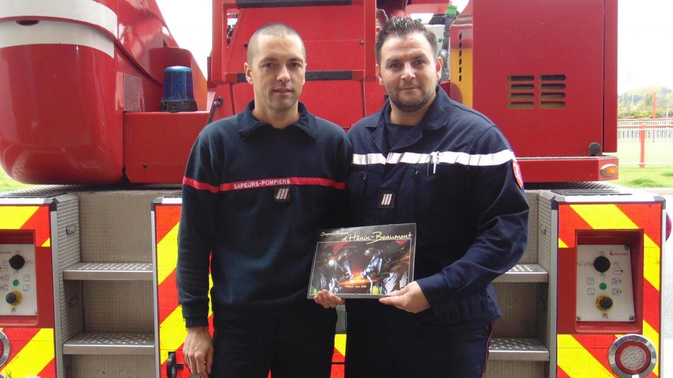 Calendrier 2020 Pompiers.Henin Beaumont Le Calendrier Des Sapeurs Pompiers Est