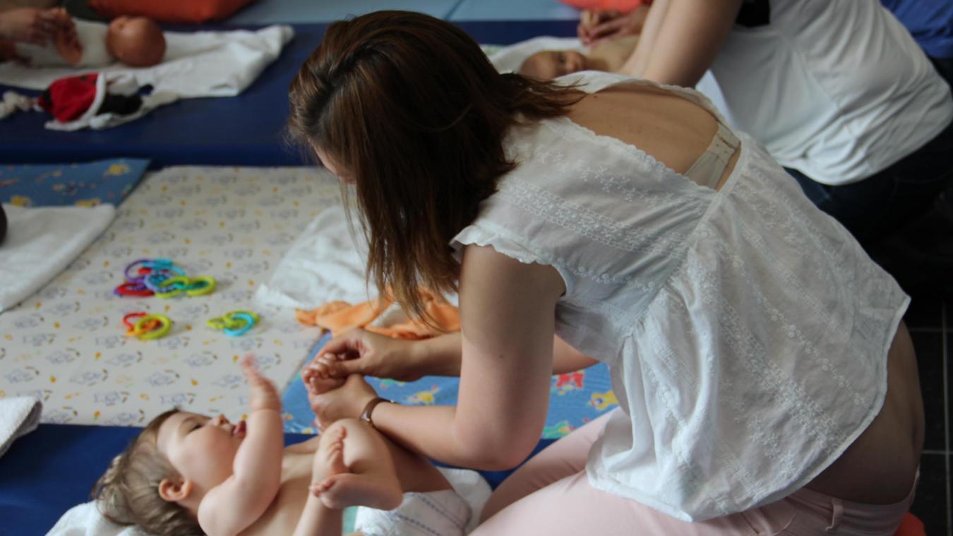 Wormhout: des ateliers d'initiation aux massages bien-être parent/enfant - La Voix du Nord