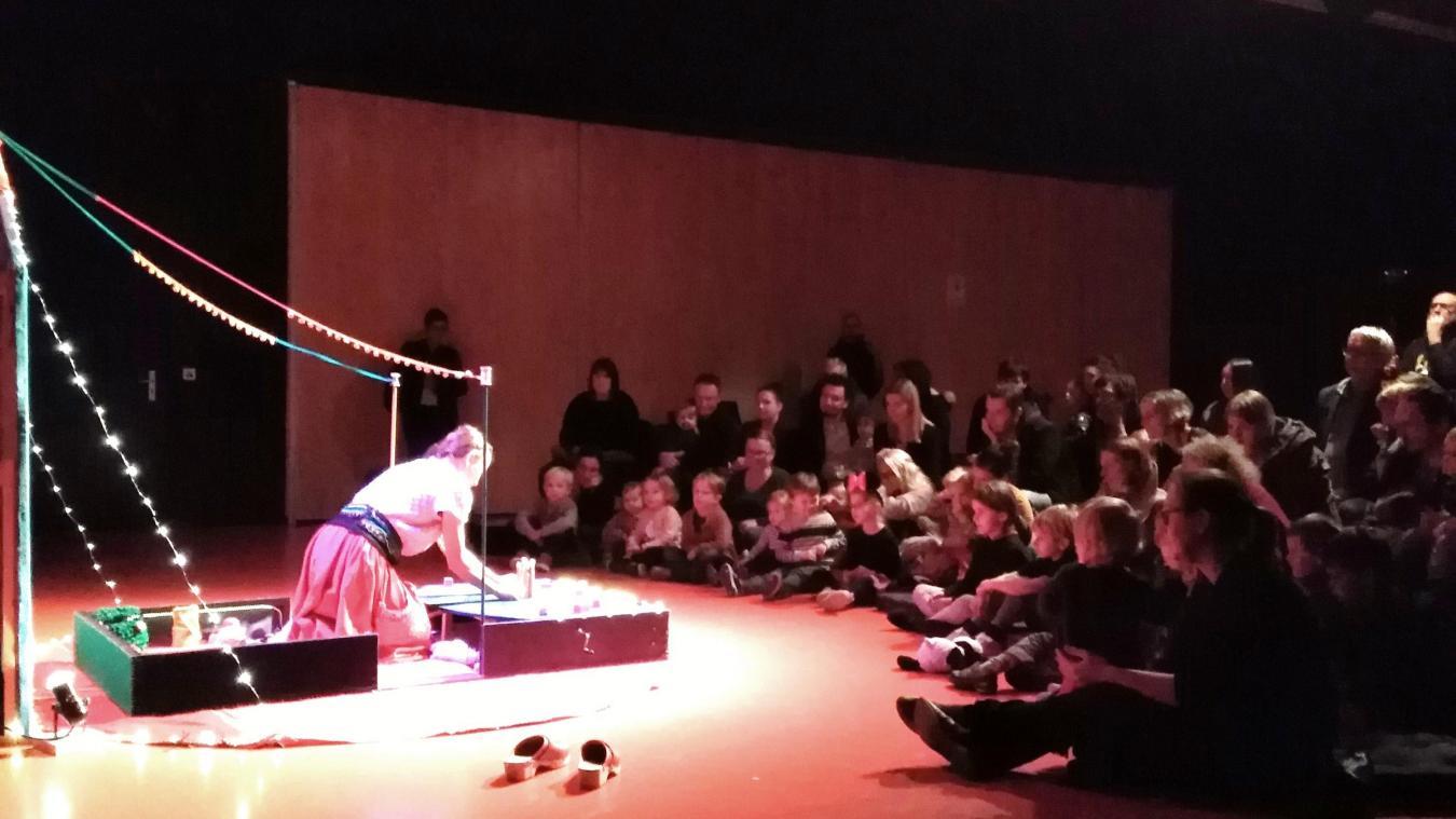 À Linselles, un spectacle sur mesure pour les tout-petits - La Voix du Nord