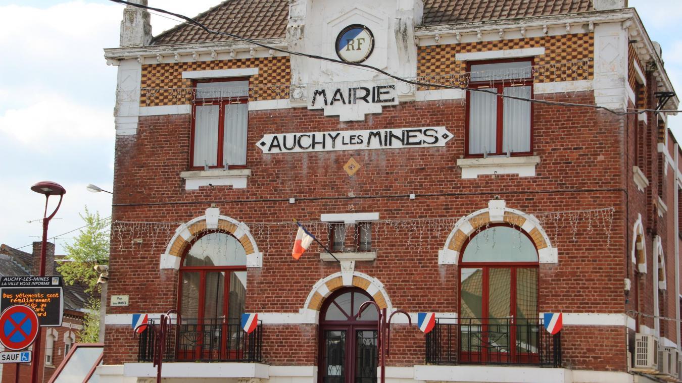 Un conseil municipal sous tension à Auchy-les-Mines - La Voix du Nord