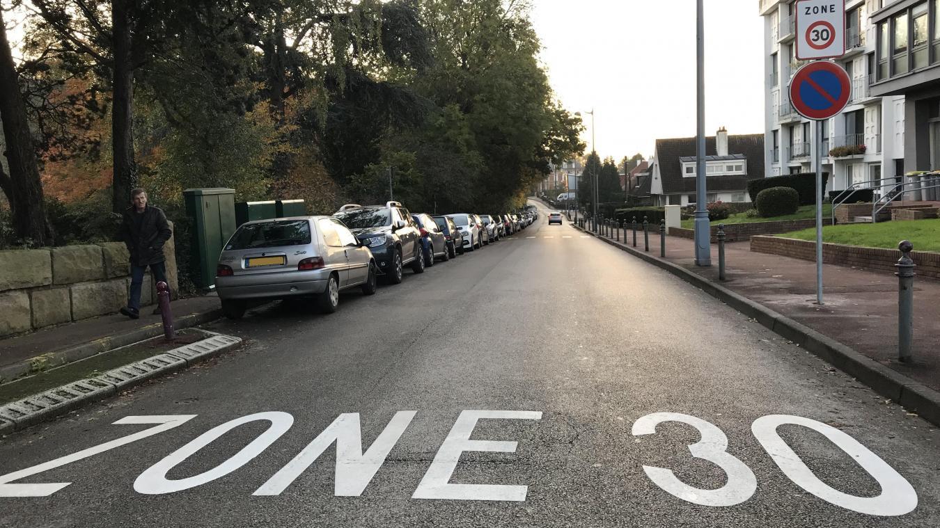 Saint-Omer balise ses zones 30 pour mieux partager la route - La Voix du Nord