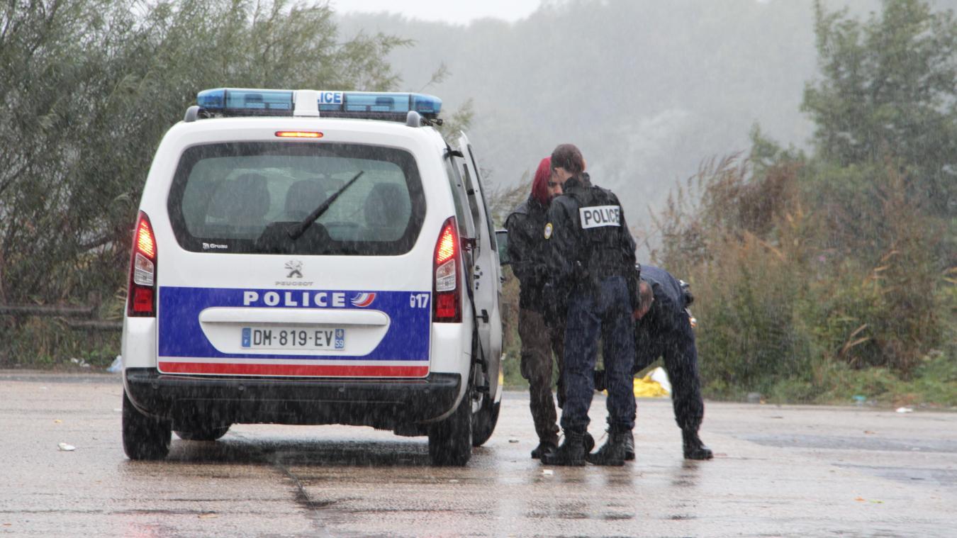 Grande-Synthe : un migrant blessé par un coup de couteau - La Voix du Nord