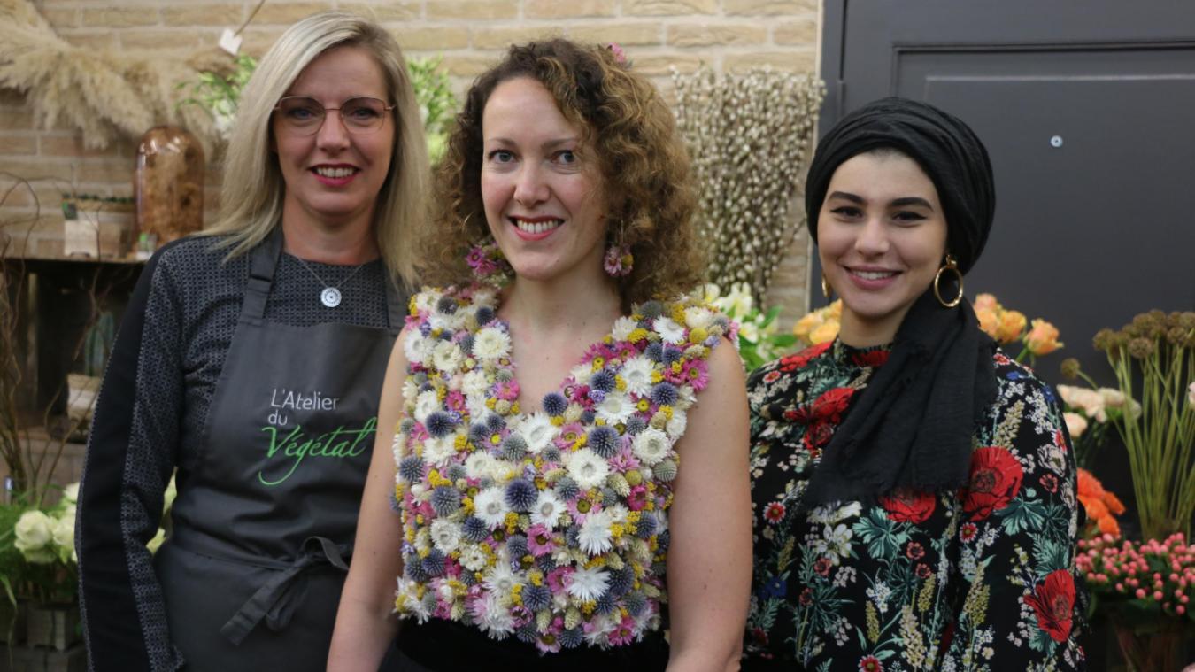Gravelines: une robe habillée de 420fleurs séchées collées une à une! - La Voix du Nord