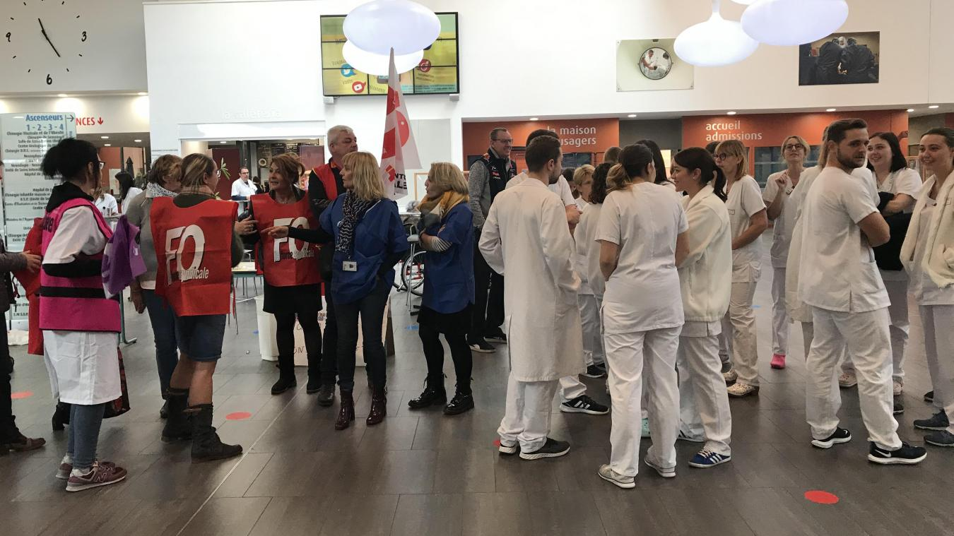 Valenciennes: grève à l'hôpital « pour la bientraitance du personnel » - La Voix du Nord