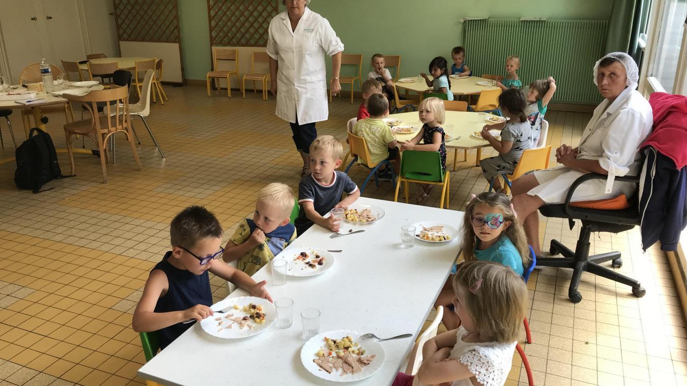 Les cantines des écoles publiques d'Hazebrouck repartent pour quatre ans avec 1001 Repas - La Voix du Nord