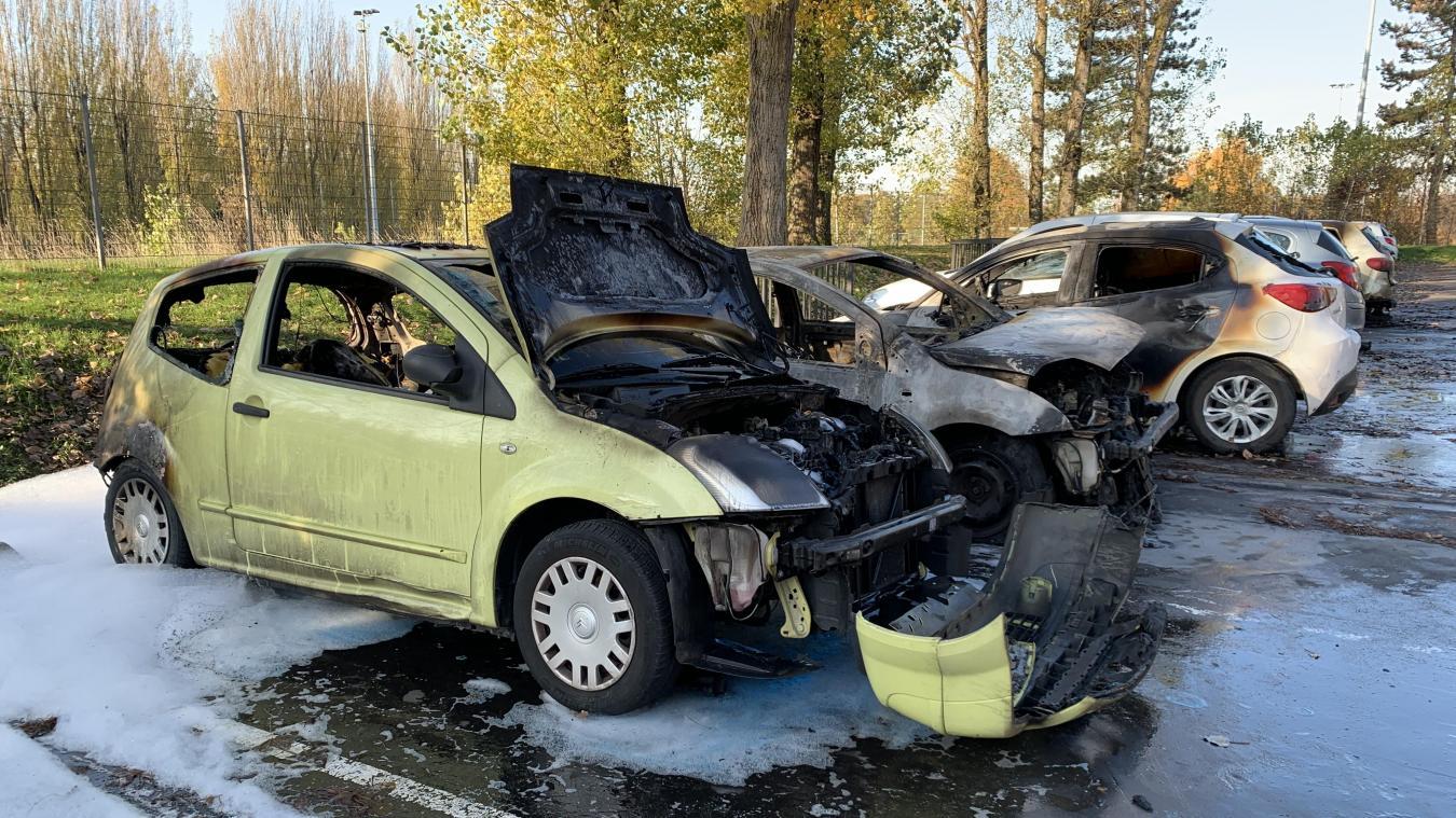Six véhicules en feu, samedi soir, à La Madeleine - La Voix du Nord