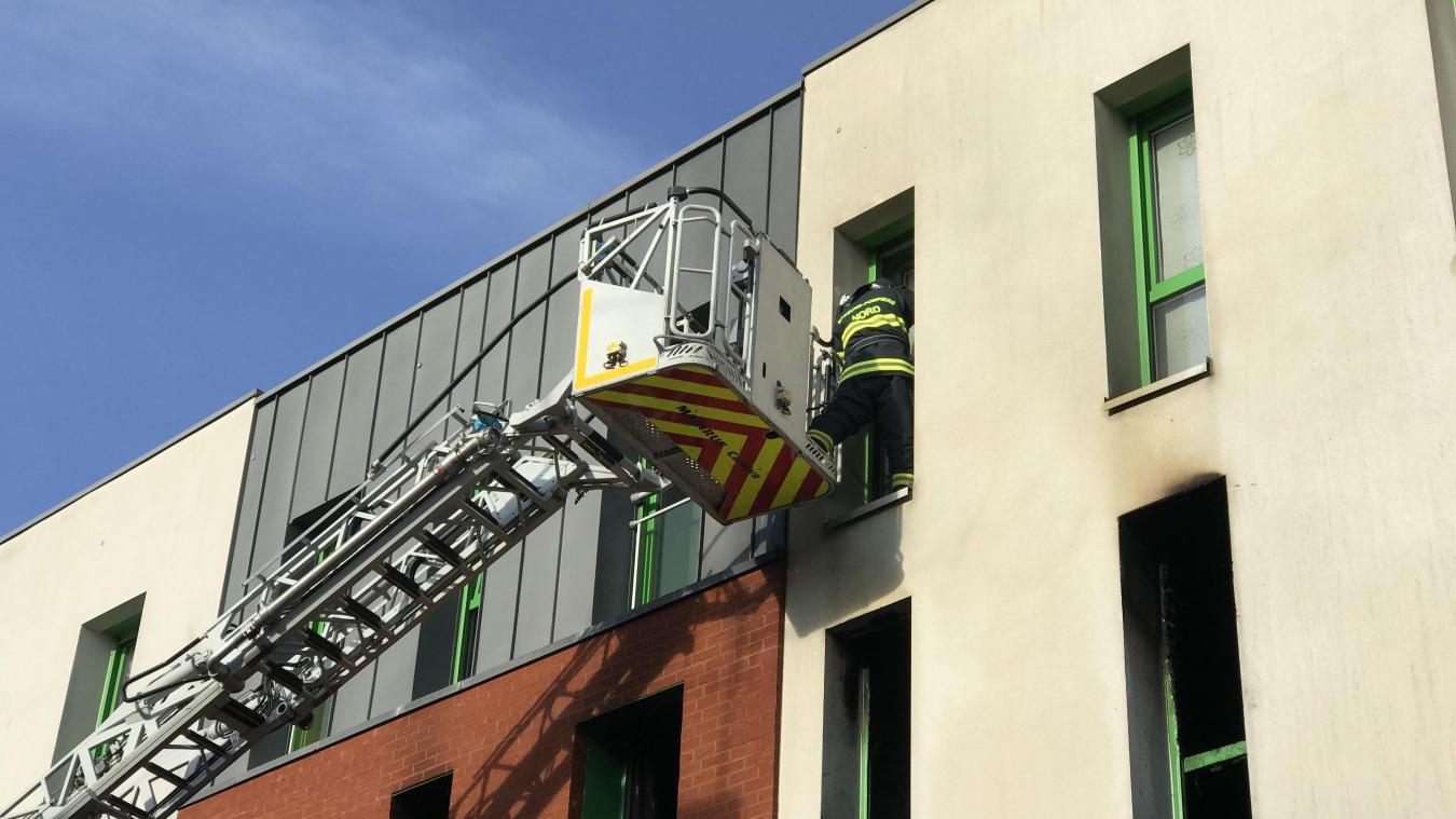 Valenciennes: un appartement en feu, une locataire intoxiquée, une vingtaine évacuée - La Voix du Nord