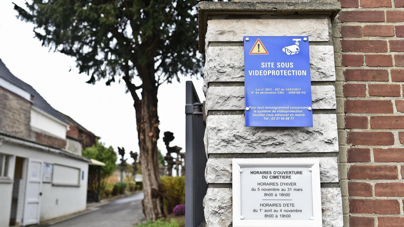 Loos-en-Gohelle : contre les vols, des caméras dans le cimetière - La Voix du Nord