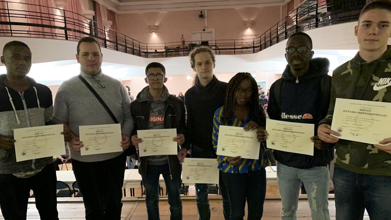 Roubaix: les élèves du lycée Turgot ont reçu leurs précieux diplômes - La Voix du Nord