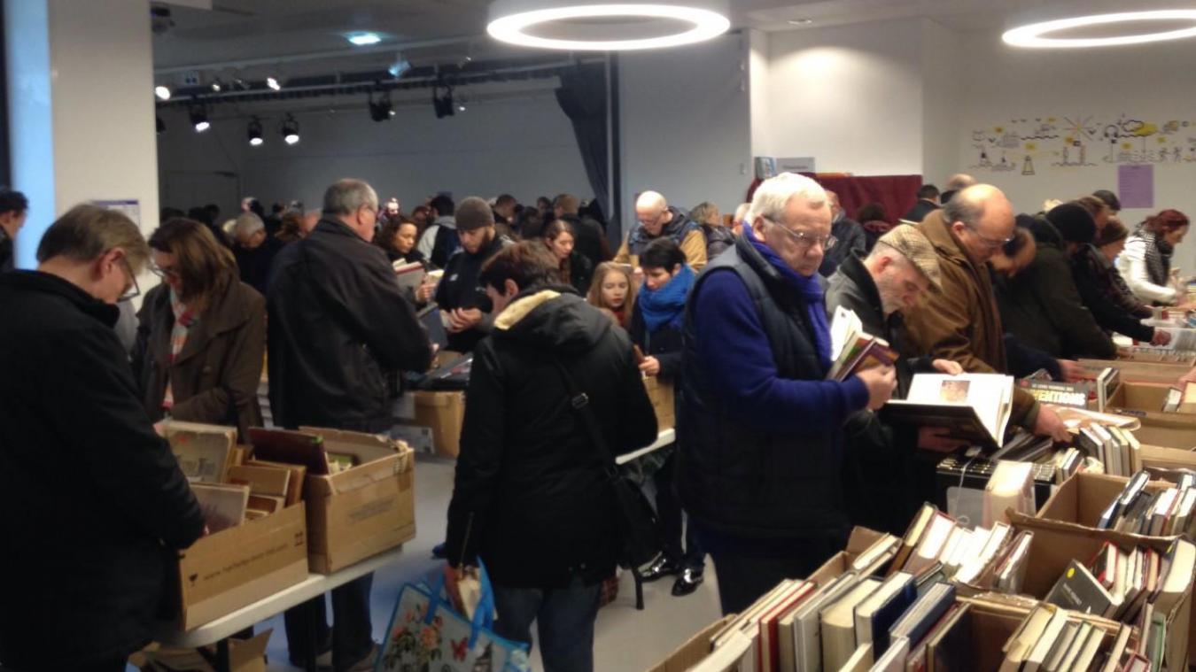 Roubaix: Braderie annuelle pour la médiathèque de la Grand-plage - La Voix du Nord
