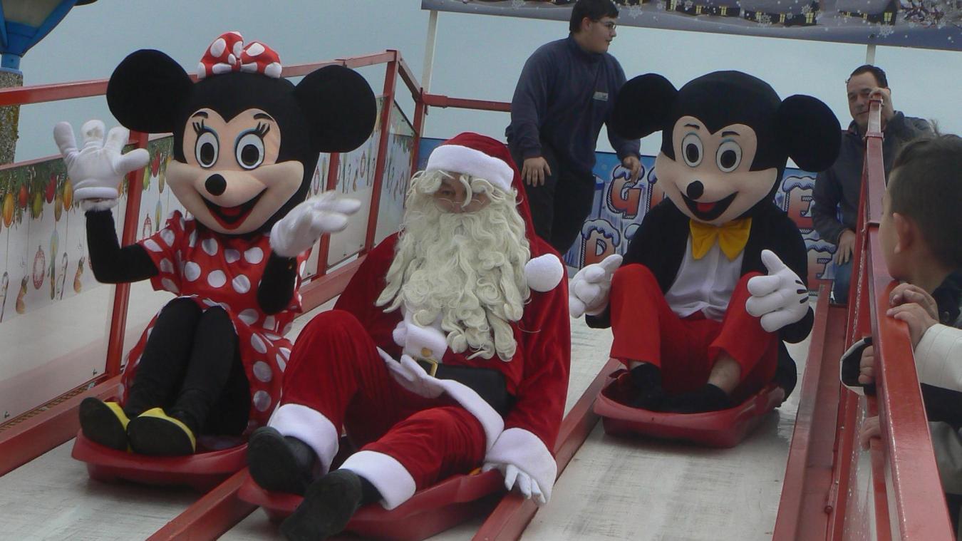 Oignies Le Père Noël Est Arrivé En Luge En Compagnie De