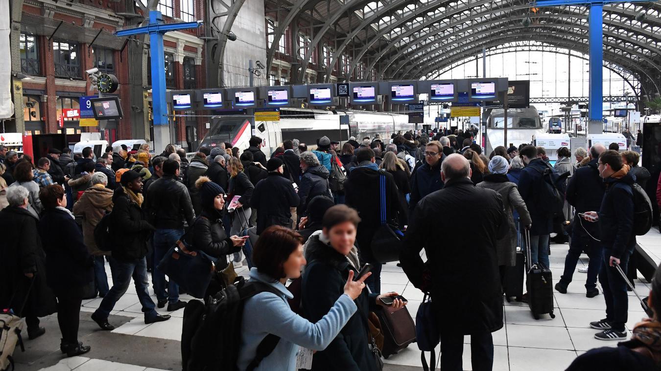 La SNCF bloque la vente de billets en ligne — Grève illimitée