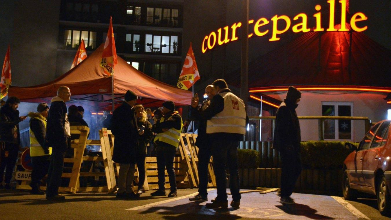 Magasin Trois Fois Rien Paris 14 septième jour de grève pour 11 des 14 salariés du restaurant