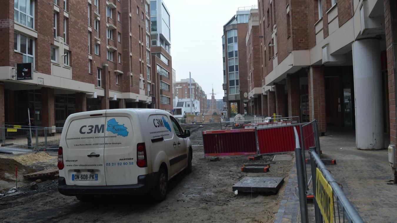 Les travaux doivent durer jusqu'à fin février, au moins, dans la chaussée de l'Hôtel-de-ville.