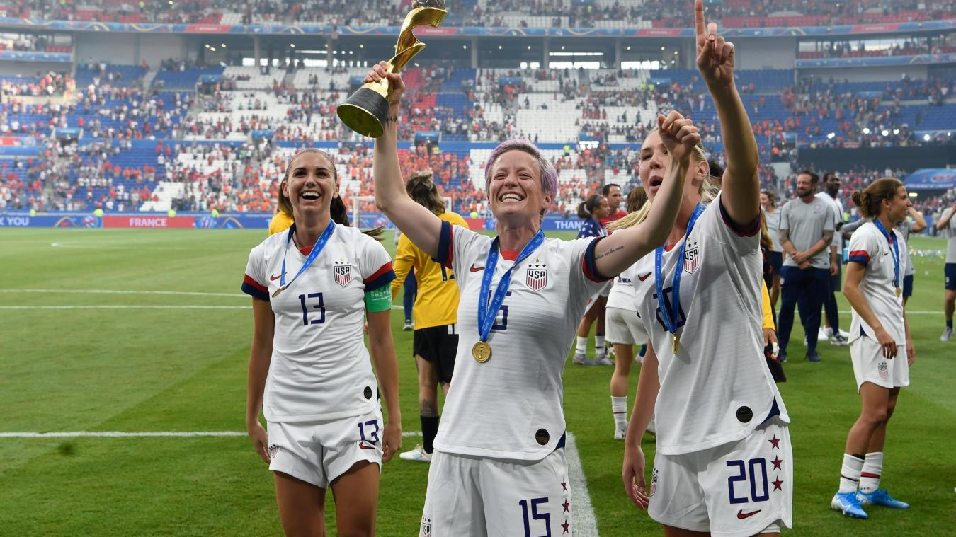 2019 Panini Megan Rapinoe Alex Morgan #19 GOLDEN /& SILVER BOOT Women/'s World Cup