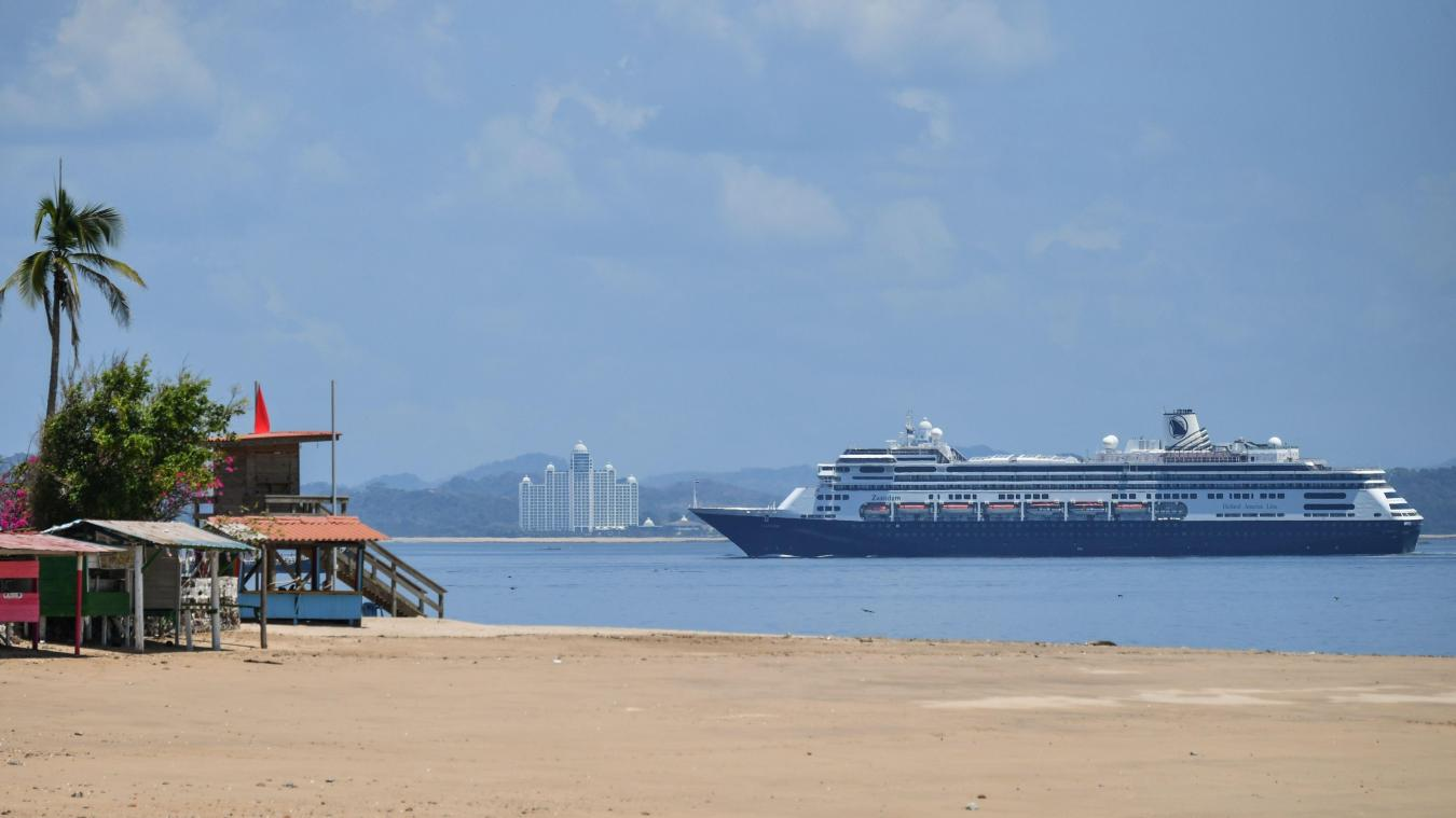 Coronavirus: le navire Zaandam autorisé à traverser le canal du Panama